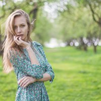 В саду... :: Александр Зенкин