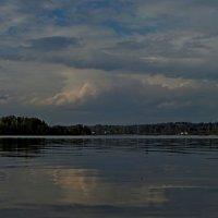Пейзаж с облаком :: Юрий Цыплятников