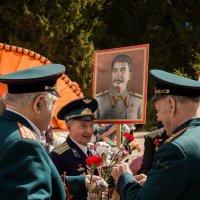 День Победы, г. Дубна, Братские могилы :: Станислав Орлов