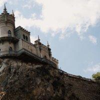 Ласточкино гнездо :: Анастасия Платонова