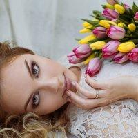 с тюльпанами :: Ольга Нурутдинова