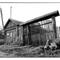 старые ворота старого дома  (из серии каширские закоулки) :: Сергей Демянюк