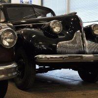 О чём скучает старое авто? :: Ирина Данилова