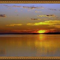 Рассвет над рекой... :: Иван Солонинка