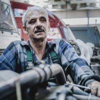 водитель-это не просто крутить баранку :: Михаил Фенелонов