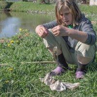 Рыбачка Соня как то в мае... :: Владимир Голиков