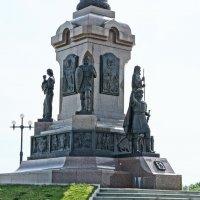 Памятник - стелла. :: Михаил MAN