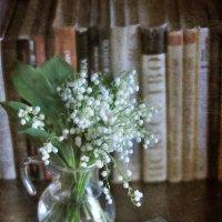 И аромат дарить умеют и белый свет, когда темно :: Ирина Данилова