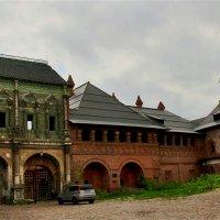 Изразцовая палата Крутицкого подворья,16 век, Москва. :: Александр Садовский