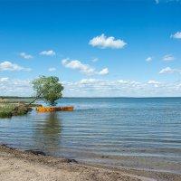 Оранжевая лодка :: Ольга Решетникова