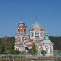 Церковь :: Сергей Ларюшкин