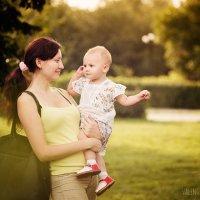 Мама с дочкой :: Валентина Жукова
