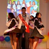 Последний школьный вальс. :: Лариса Красноперова