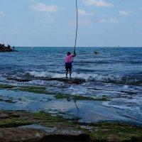 домохозяйка на рыбалке :: evgeni vaizer