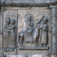 Фрагмент ворот Софийского собора 3 :: Ирина Томина