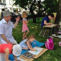 Маленькие творцы на ятверском бульваре :: Ирина Бирюкова