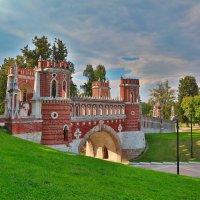 Зарисовки Царицынского парка :: Игорь .