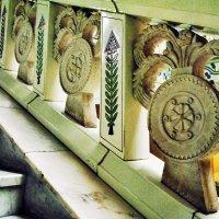 Фрагмент лестницы... :: Наталья Костенко