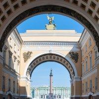 Дворцовая площадь :: Илья Шипилов