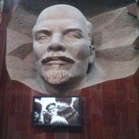 Ленин всегда живой, Ленин всегда с нами..)))))) :: Мила
