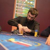 покер :: Сергей Скорик