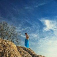 Gold on Blue :: Vitaly Shokhan