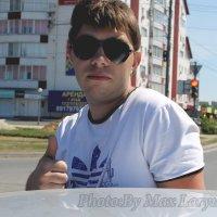 я :: Max Laryushin