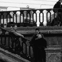 Питер. Вечер. Неспешные беседы на набережной канала Грибоедова :: Евгений Поляков