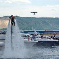 Летающий ранец и летающая камера на шоу яхт в Тольятти :: Дмитрий