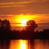 Закат на озере. :: Руслан Грицунь