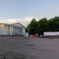 Панорама театральной площади в Кирове :: Андрей Мирошниченко