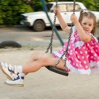 В летящем платье... :: Дарья Казбанова