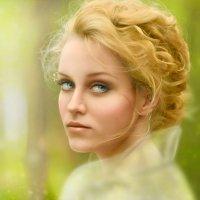 загадочная дева на прогулке :: Veronika G