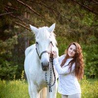 принцесса с белой лошадкой=) :: Елена Череченко
