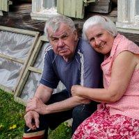 Родители в деревне :: Сергей Кордумов
