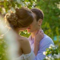Love story в яблонях :: Наталья Обухова