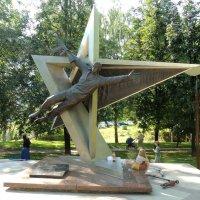 Памятник Воинам-интернационалистам :: Александр Качалин
