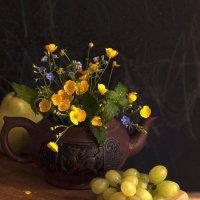 Виноград и полевые цветы. :: Лазарева Оксана