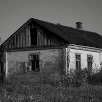Проклятый, старый дом... :: Алексей Бродовой