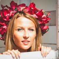 Девушка и цветы. :: Алексей Польский