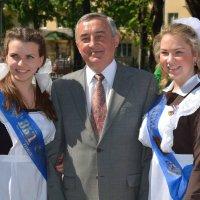 Последний звонок: мэр всегда рядом :: Константин Жирнов