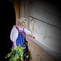 На церковных ступенях :: Валерий Талашов