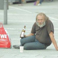 Подкинь на пивко, братишь? :: Orest76 W.
