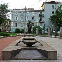 Памятник Джамбулу в одноименном переулке. :: Александр Лейкум