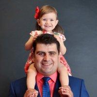 С папой очень весело играть... :: Виктория Гавриленко