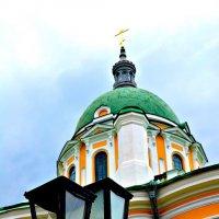 Церковь учит, просвещает ,а фонарь освещает. :: Михаил Столяров