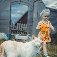 Девочка и котэ :: Андрей Кротов