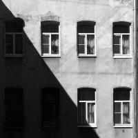 Графика петербуржских дворов-колодцев :: Anna Chernopyatova