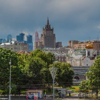 Вид на Москву с Патриаршего моста :: Надежда Лаптева