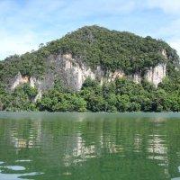 На озере на одном из островков архипелага Лангкави. Малайзия. :: svk